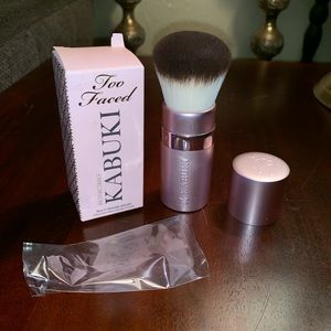 Too Faced Retractable Kabuki Brush In Box